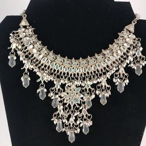 Collar Silver and White Bead Necklace